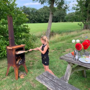 "Cortenstaal outdoor cooking oven ""Fikki"""